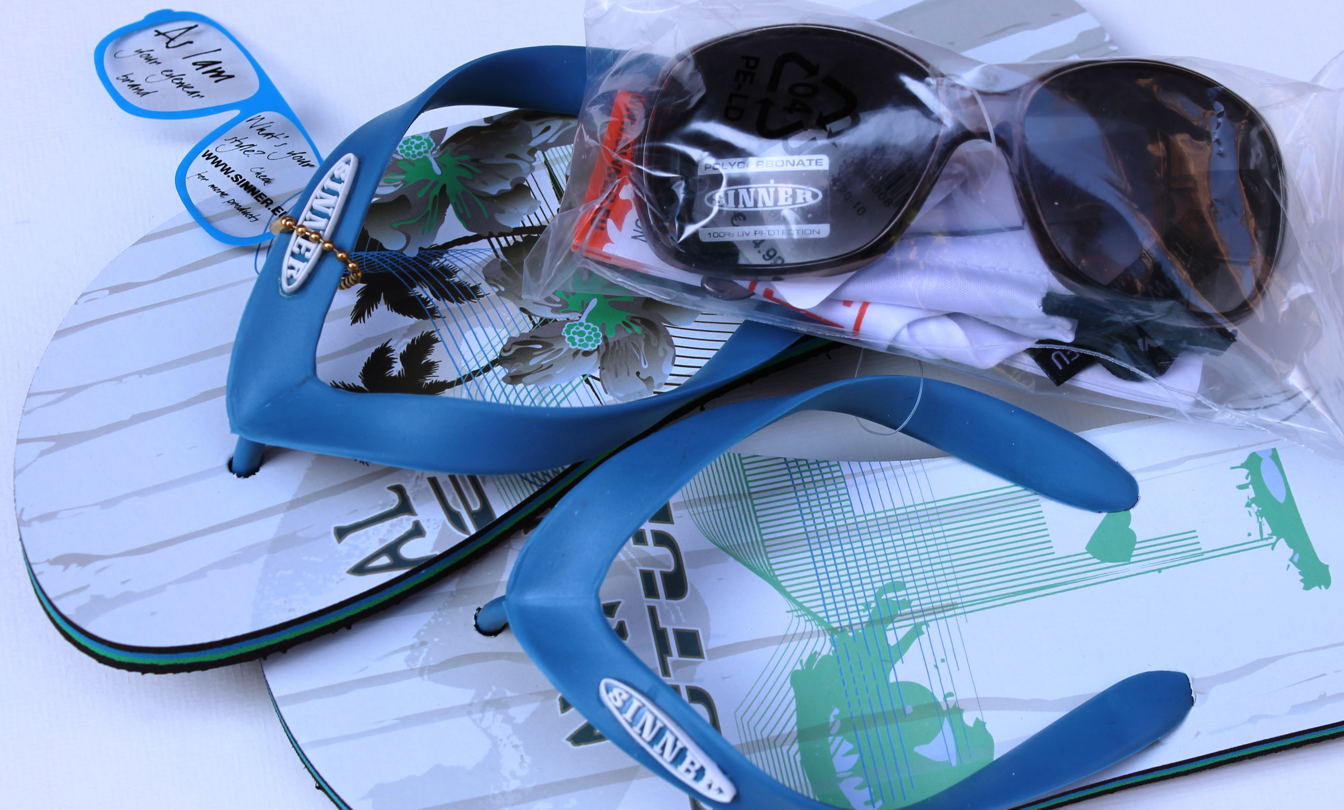 Slippers en zonnebril van SINNER gewonnen