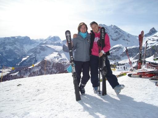 Merel en ik maken graag ieder jaar op dezelfde plek een foto sinds 2010 =D Komend jaar dus weer zussie!